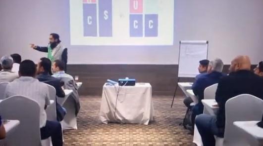 Carlos Muñoz: las críticas y la verdad tras video de 'burla' del coach de vida sobre mesero